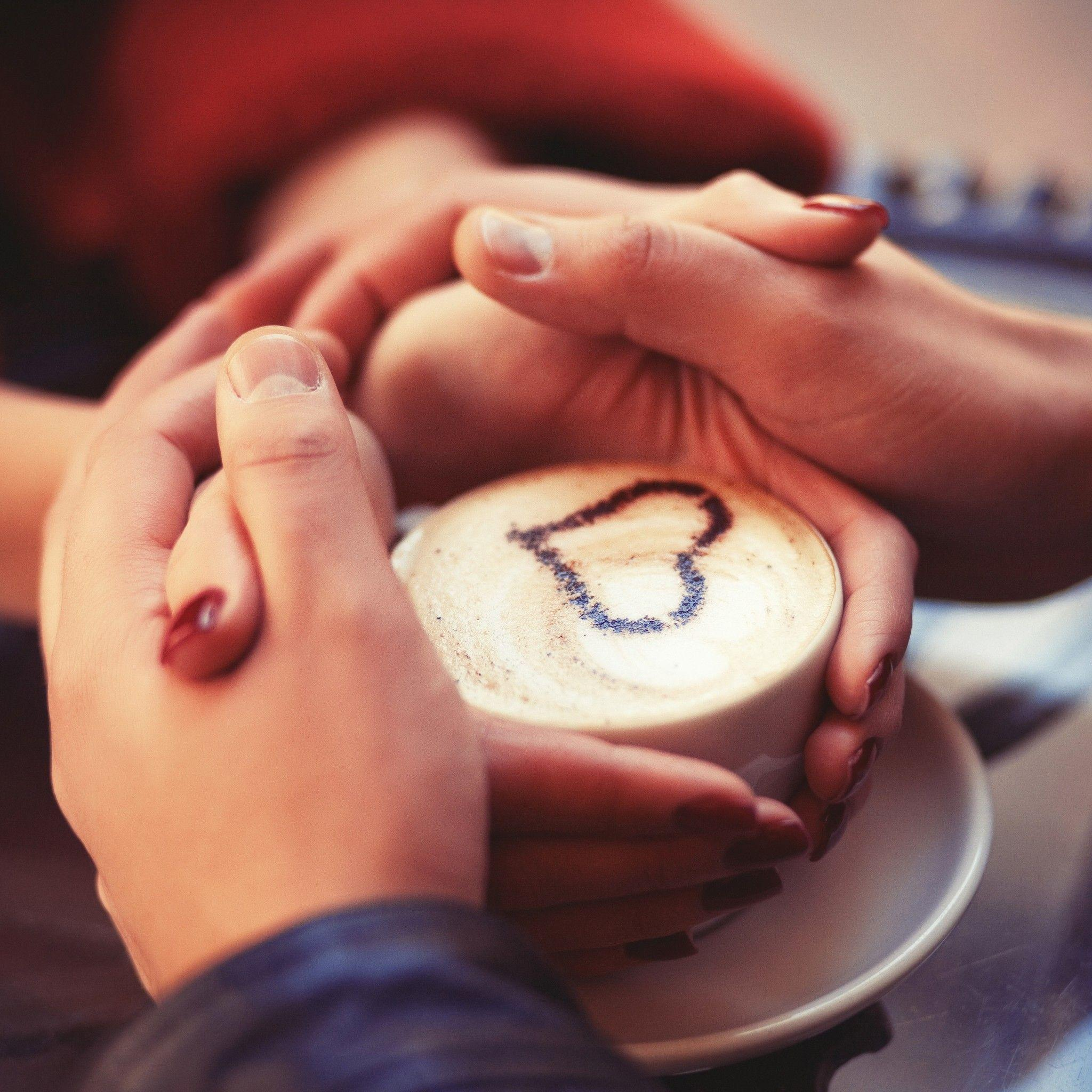 Cute Couple Holding Hand Wallpaper Holding Hands Wallpapers Wallpaper Cave