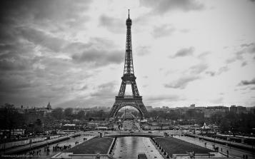 Eiffel Tower Black And White Wallpapers - Wallpaper Cave