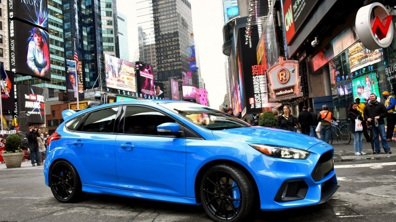 Blue Ford Focus Rs 2015 Hd Wallpaper Wallpaperfx