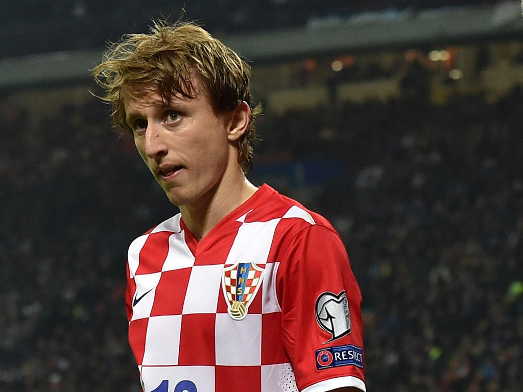 Cute Cartoon Love Wallpapers With Quotes Luka Modric Wallpapers Hd