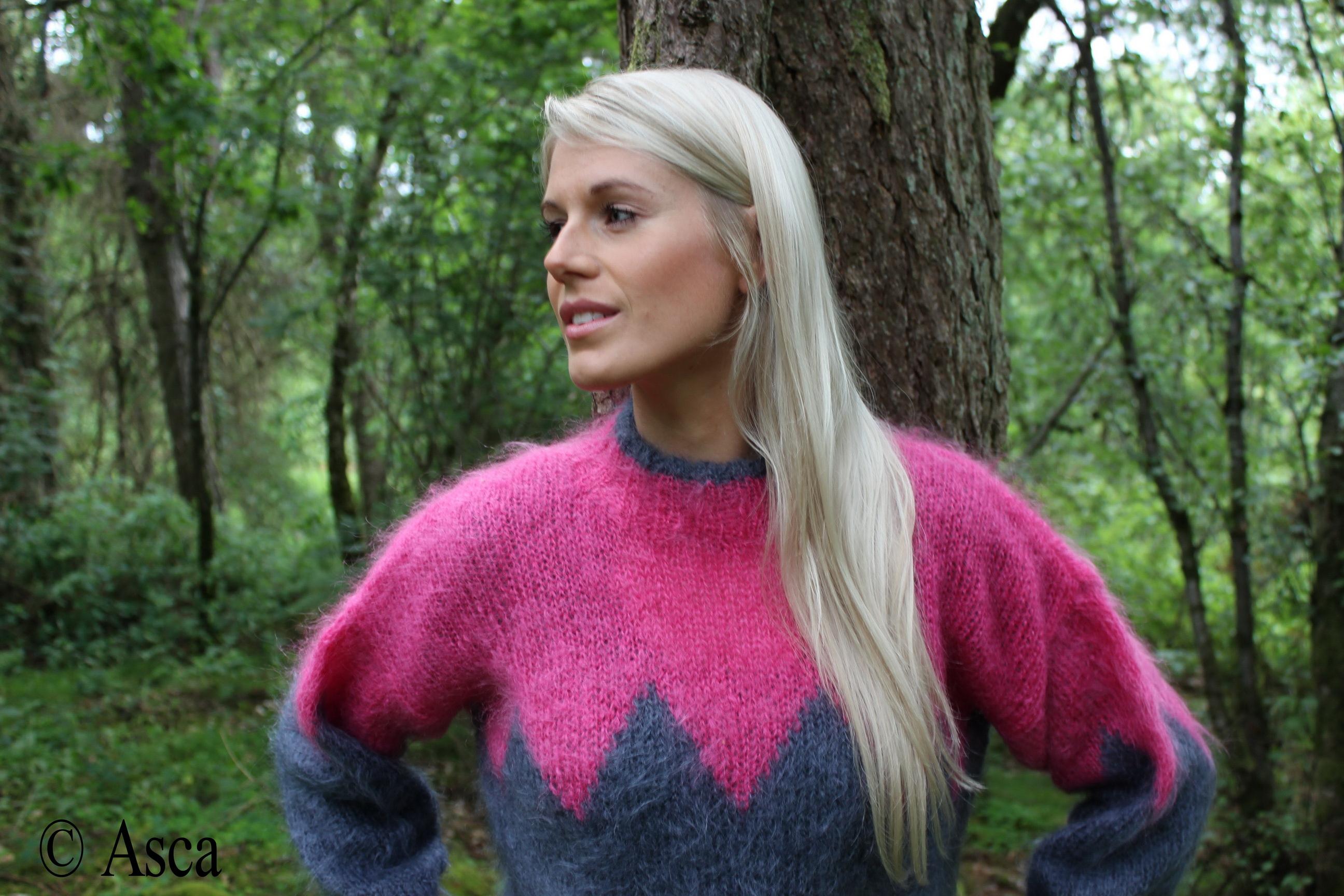 Cut Baby Girl Wallpaper Blonde Sweater Girls
