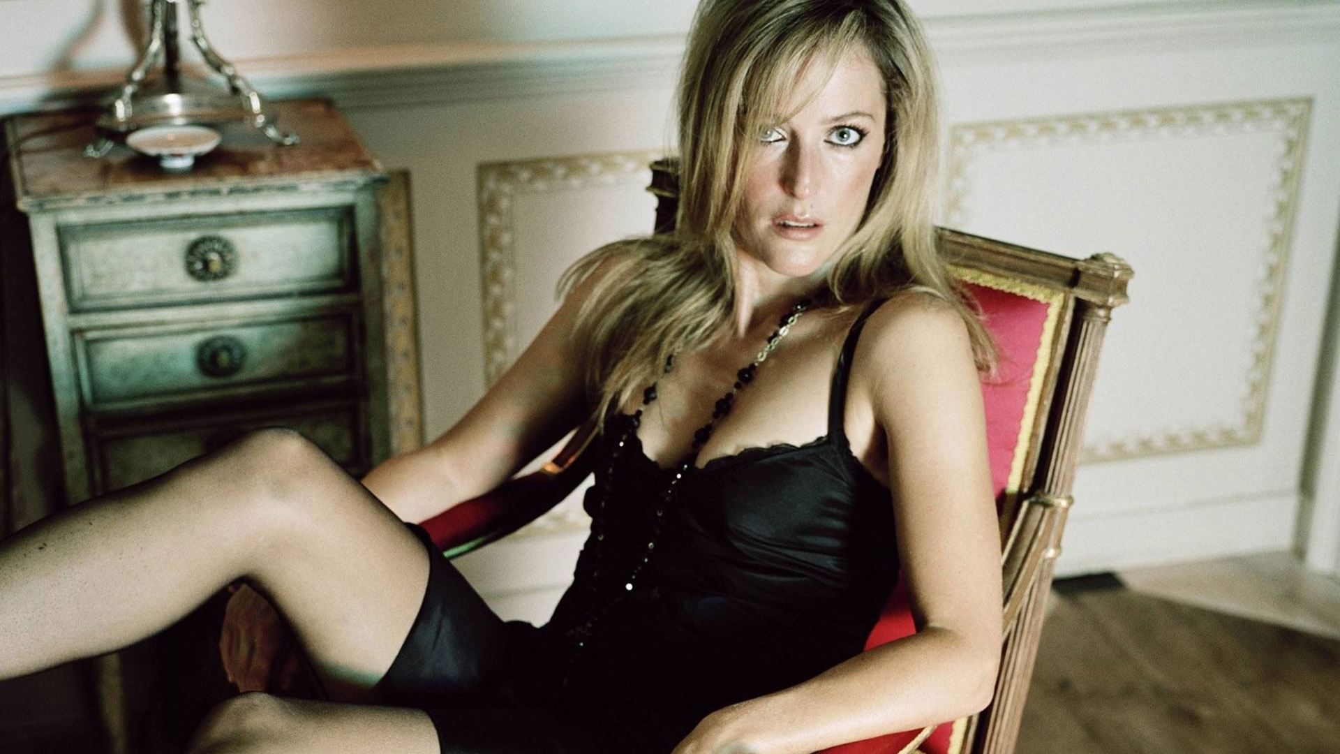 Cat In Fall Wallpaper Background Blonde Gillian Anderson In A Chair Celebrity