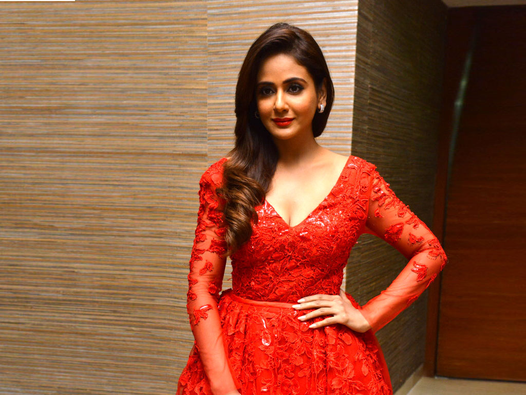 Parul Yadav Hq Wallpapers  Parul Yadav Wallpapers  32429