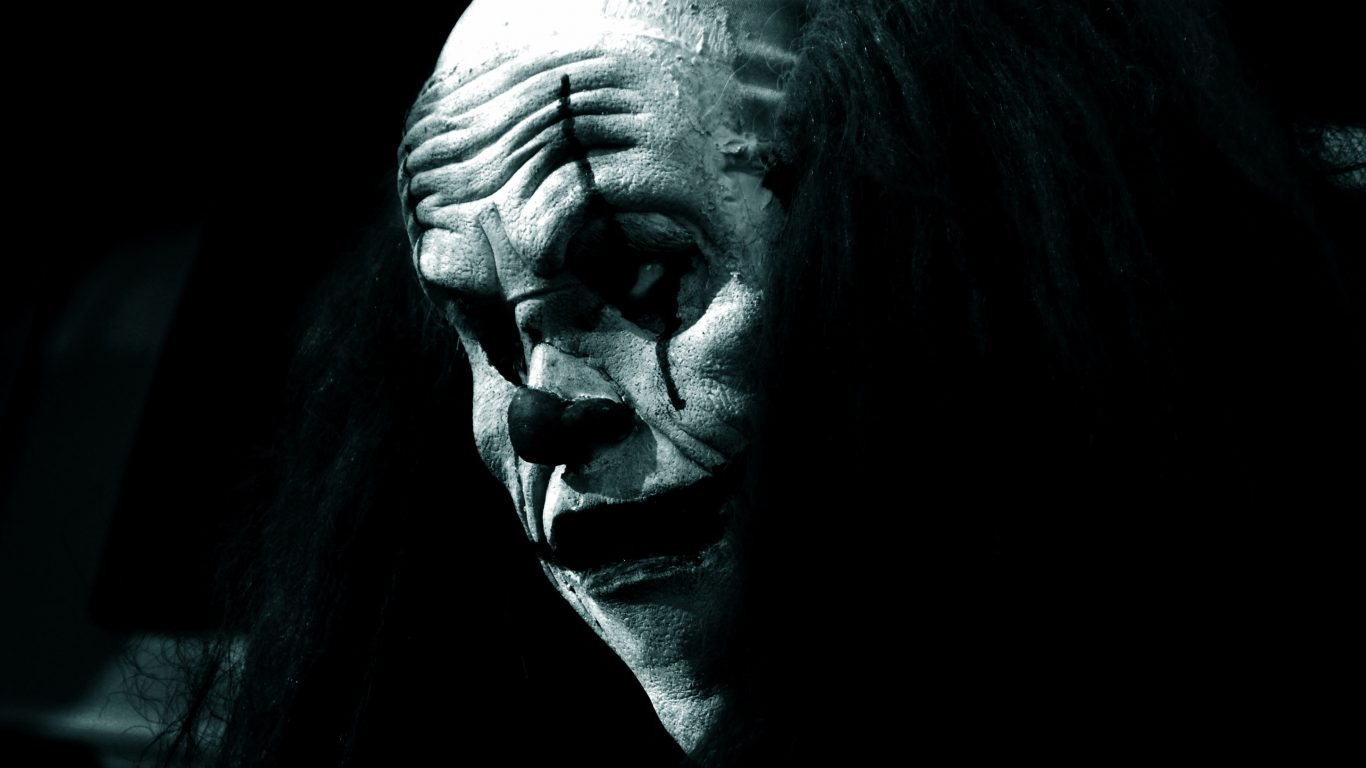Army Iphone X Wallpaper Scary Clown In The Dark Hd Wallpaper
