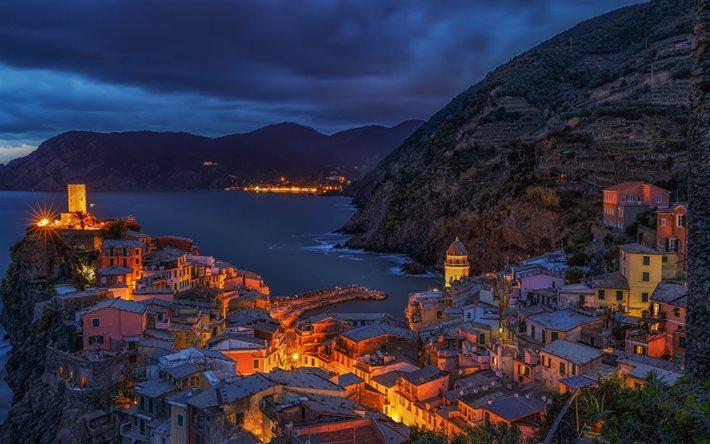 Scarica sfondi Vernazza vecchio architettura paesaggi notturni villaggio scogliera Liguria