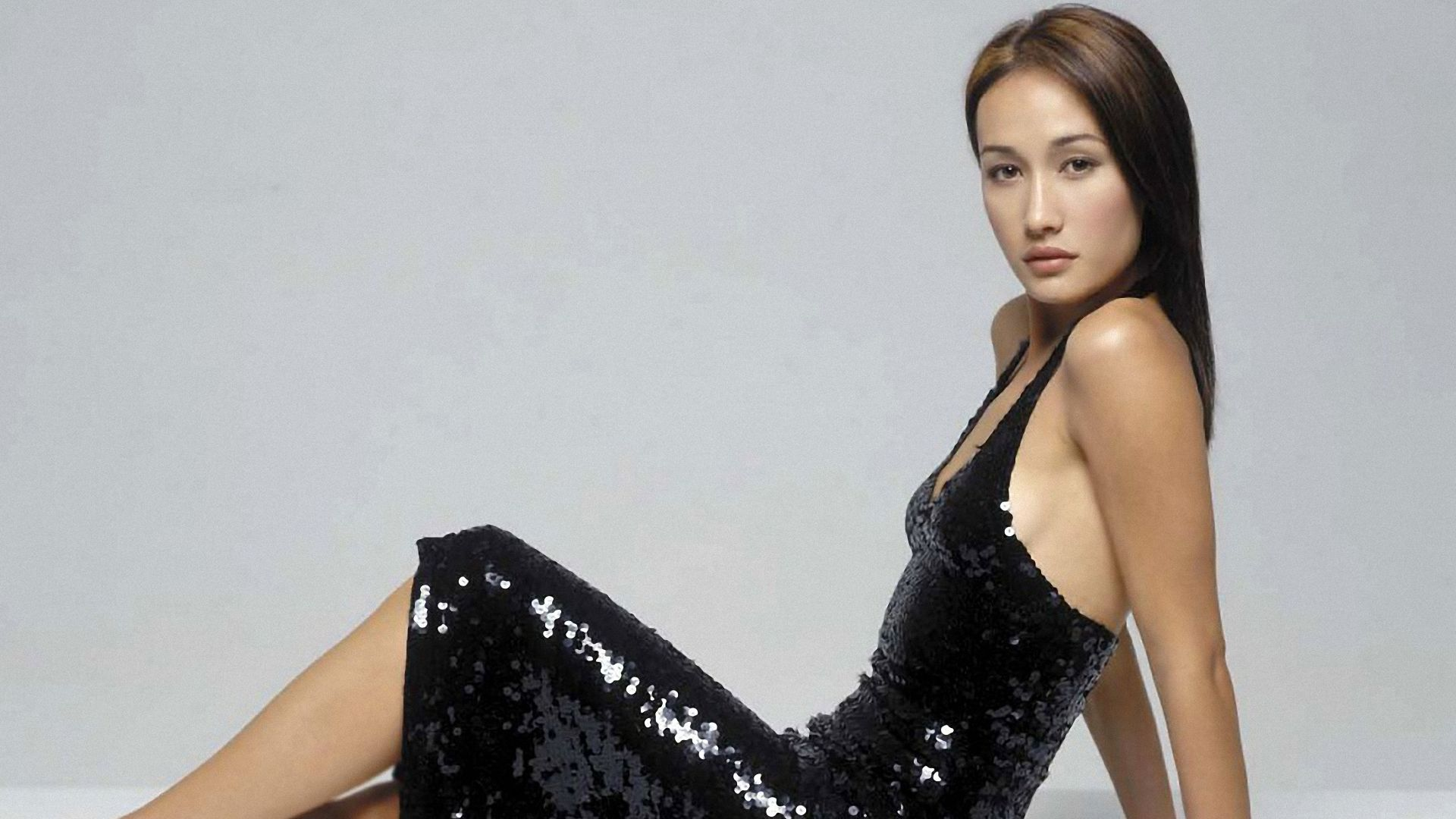 Quiet Girl Wallpaper Download Maggie Q Hd Wallpapers For Desktop Download