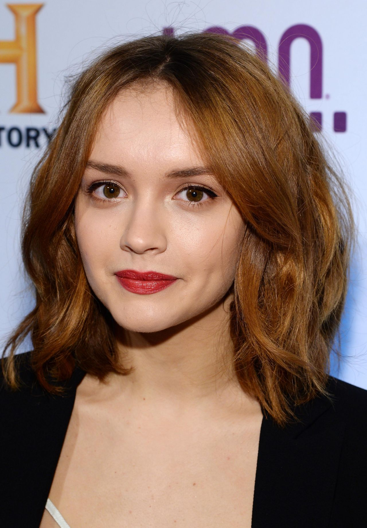 Young Girl Horror Wallpaper Olivia Cooke Hd Wallpapers For Desktop Download