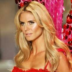 Chairs To Help You Stand Up Ergonomic Chair Tilt Heidi Klum Wallpapers High Resolution And Quality Download