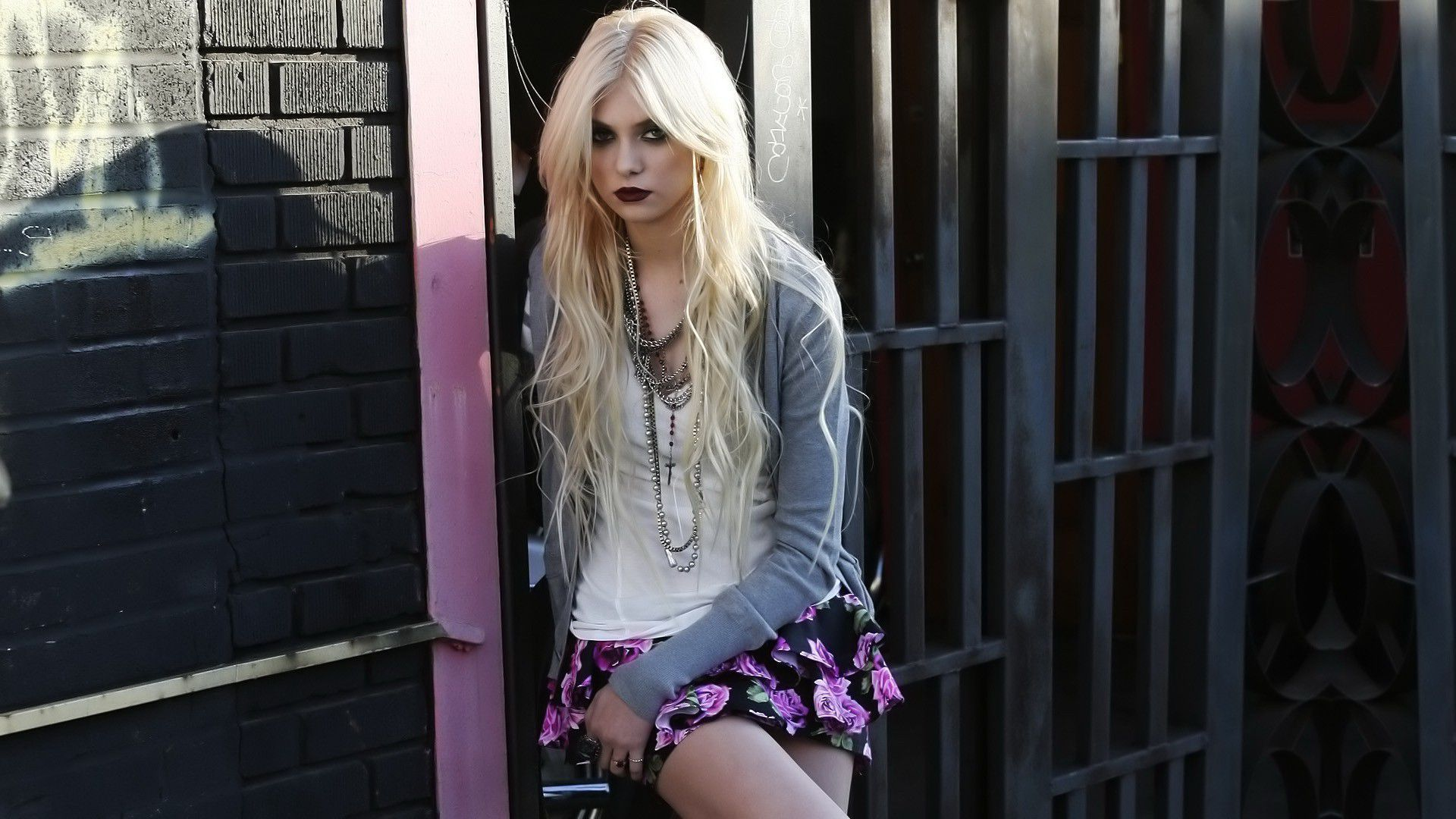 Pretty Anime Wallpaper Taylor Momsen Wallpapers Backgrounds