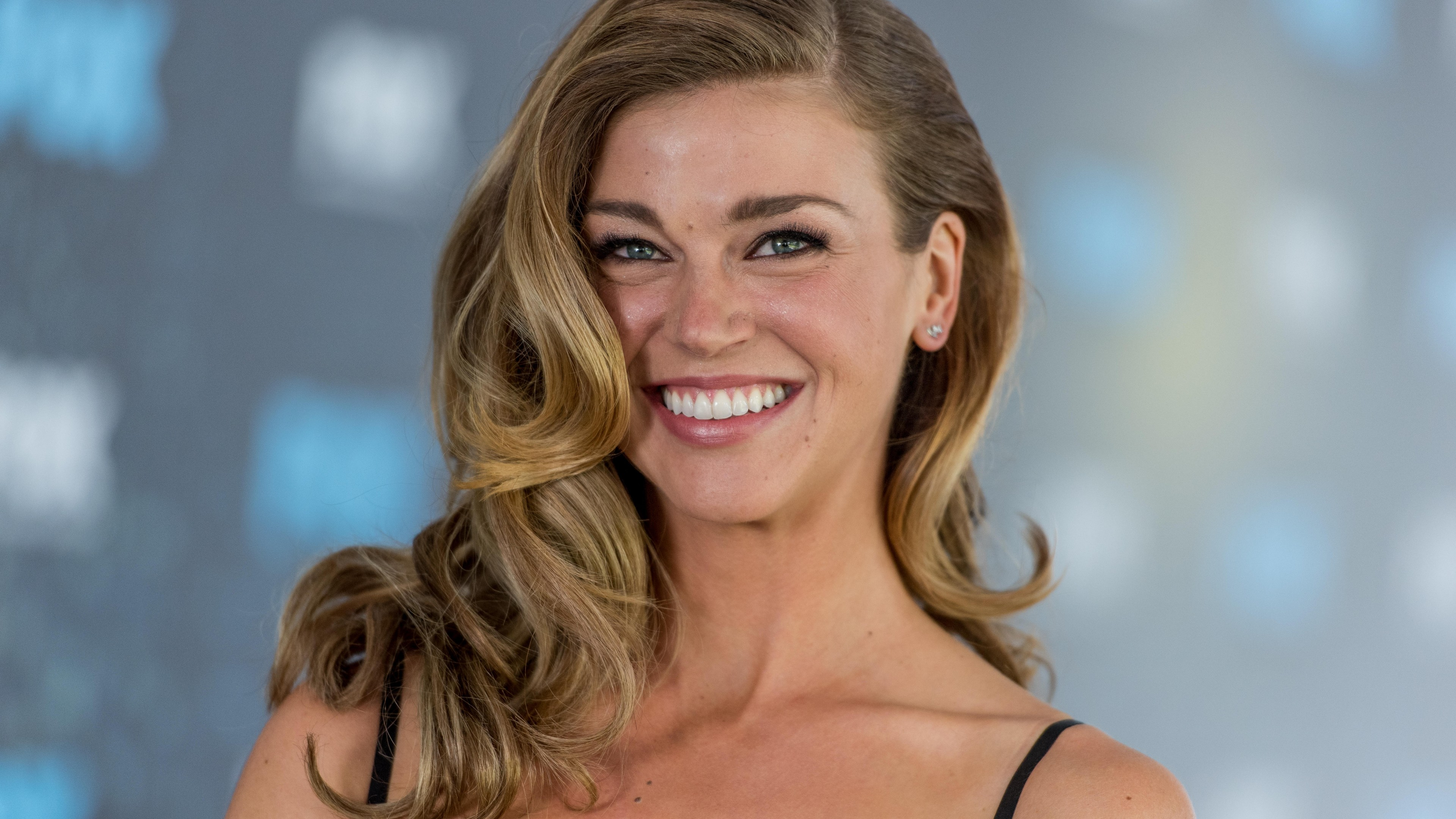 Life Quotes Wallpapers For Facebook Wallpaper Adrianne Palicki Photo 4k Celebrities 15958