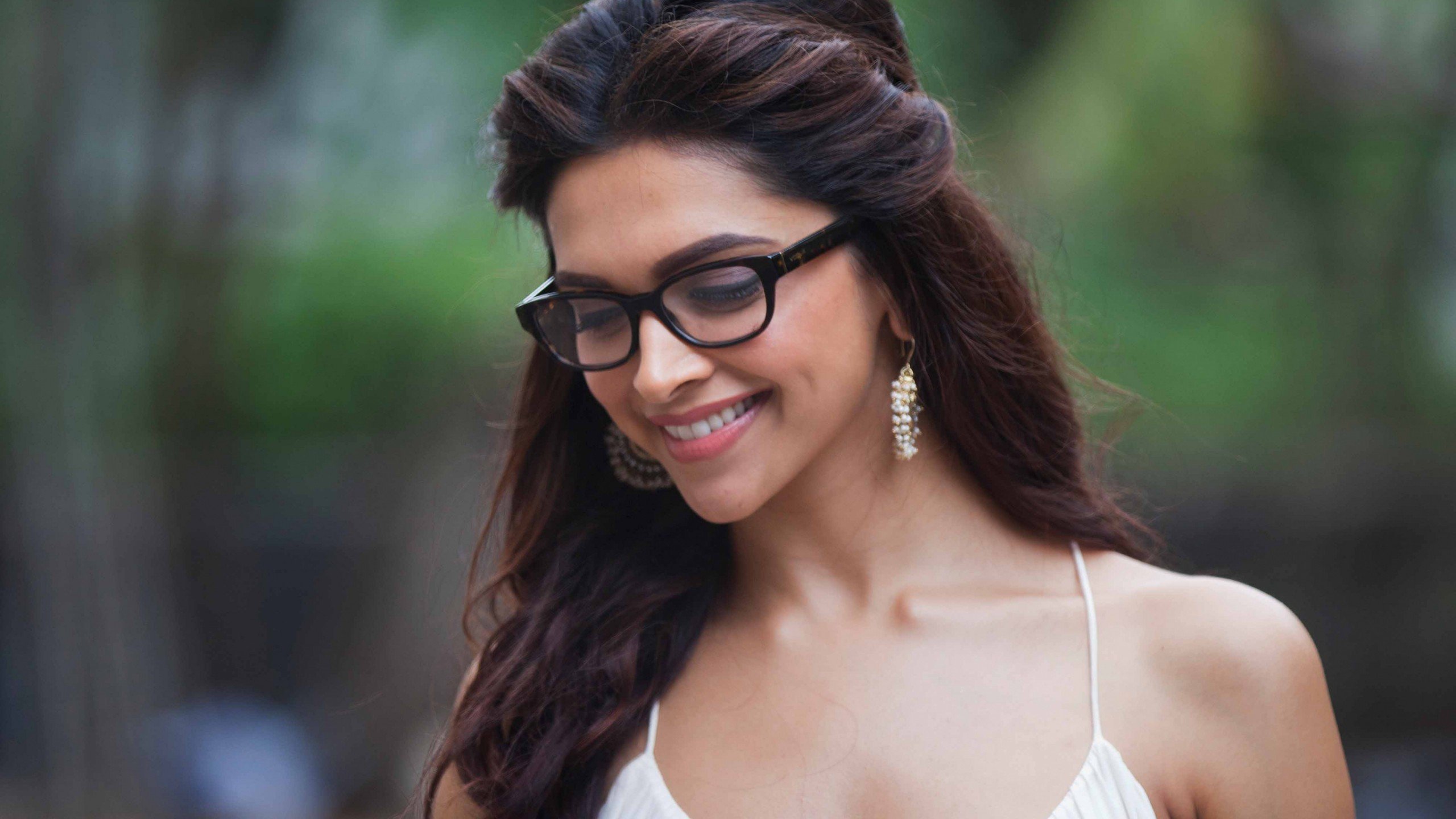 Wallpapers With Quotes On Life In Hindi Wallpaper Deepika Padukone 4k Photo Bollywood
