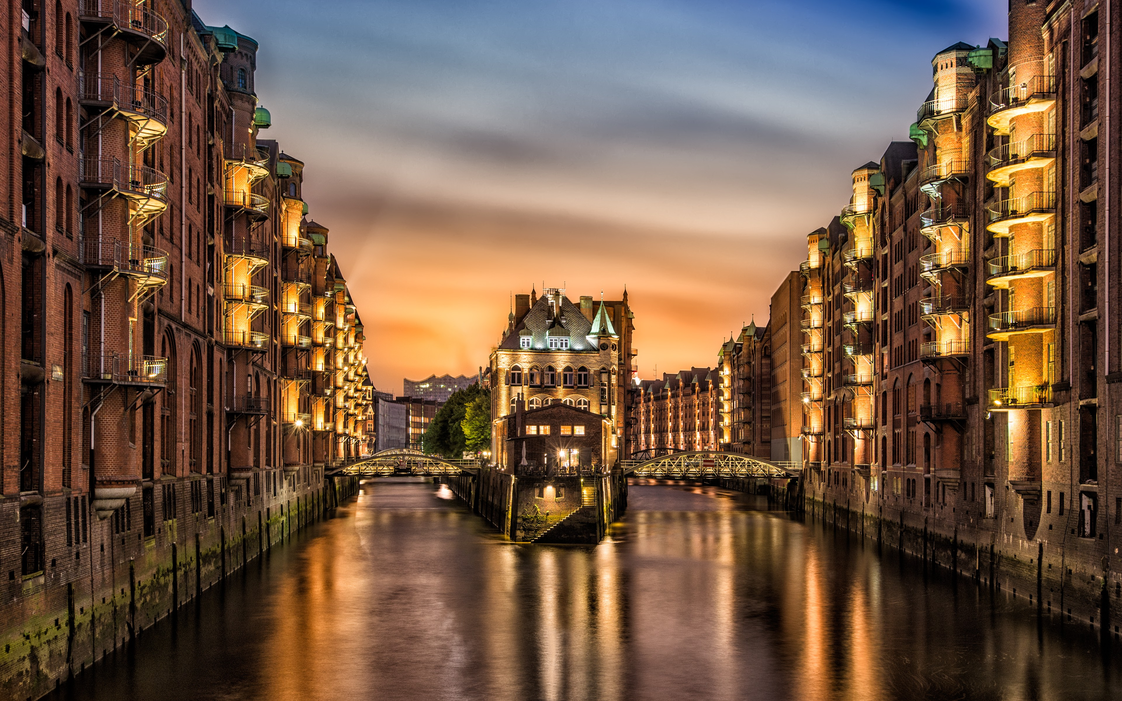 Giraffe Iphone Wallpaper Wallpaper Hamburg Germany Travel Tourism Architecture