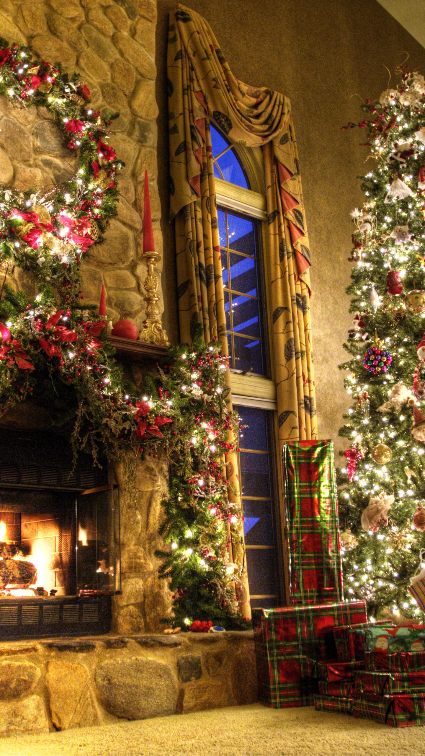 Free Cute Images Wallpapers Wallpaper New Year Fireplace Decor Fir Tree Fire