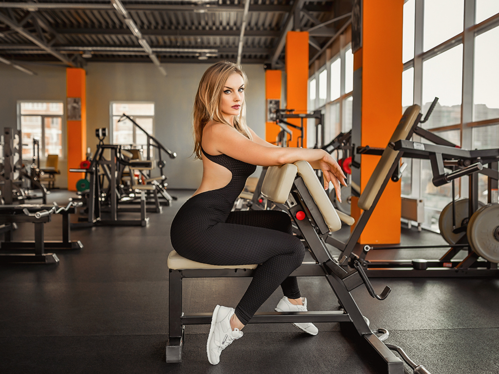 Cute Girl Hd Wallpapers 1080p Download Desktop Wallpaper Gym Girl Model Exercise Hd Image