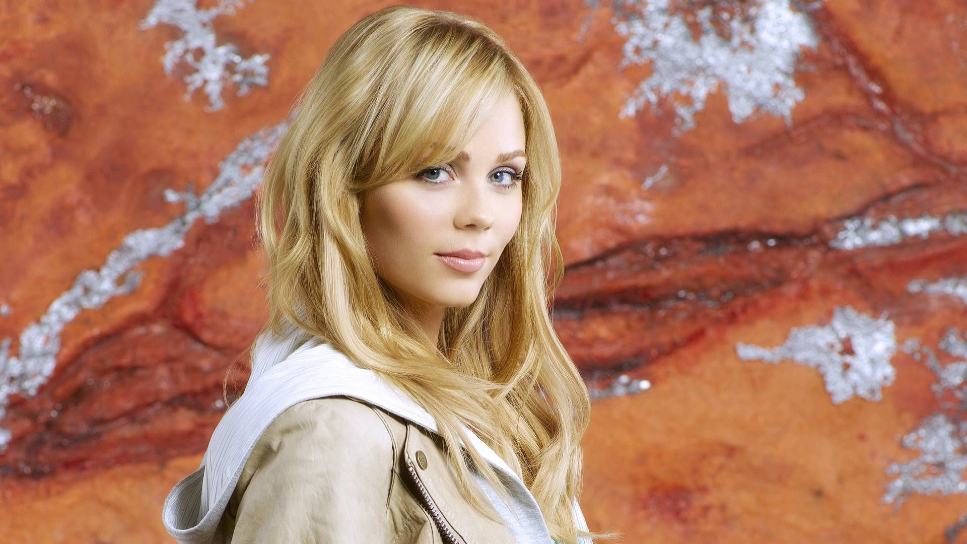 Hd Technology Wallpapers 1080p 17 Laura Vandervoort Wallpapers Hd Free Download