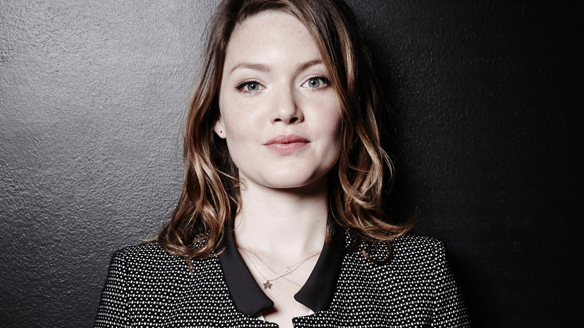 Anime Video Wallpaper Holliday Grainger Hd Wallpapers Free Download