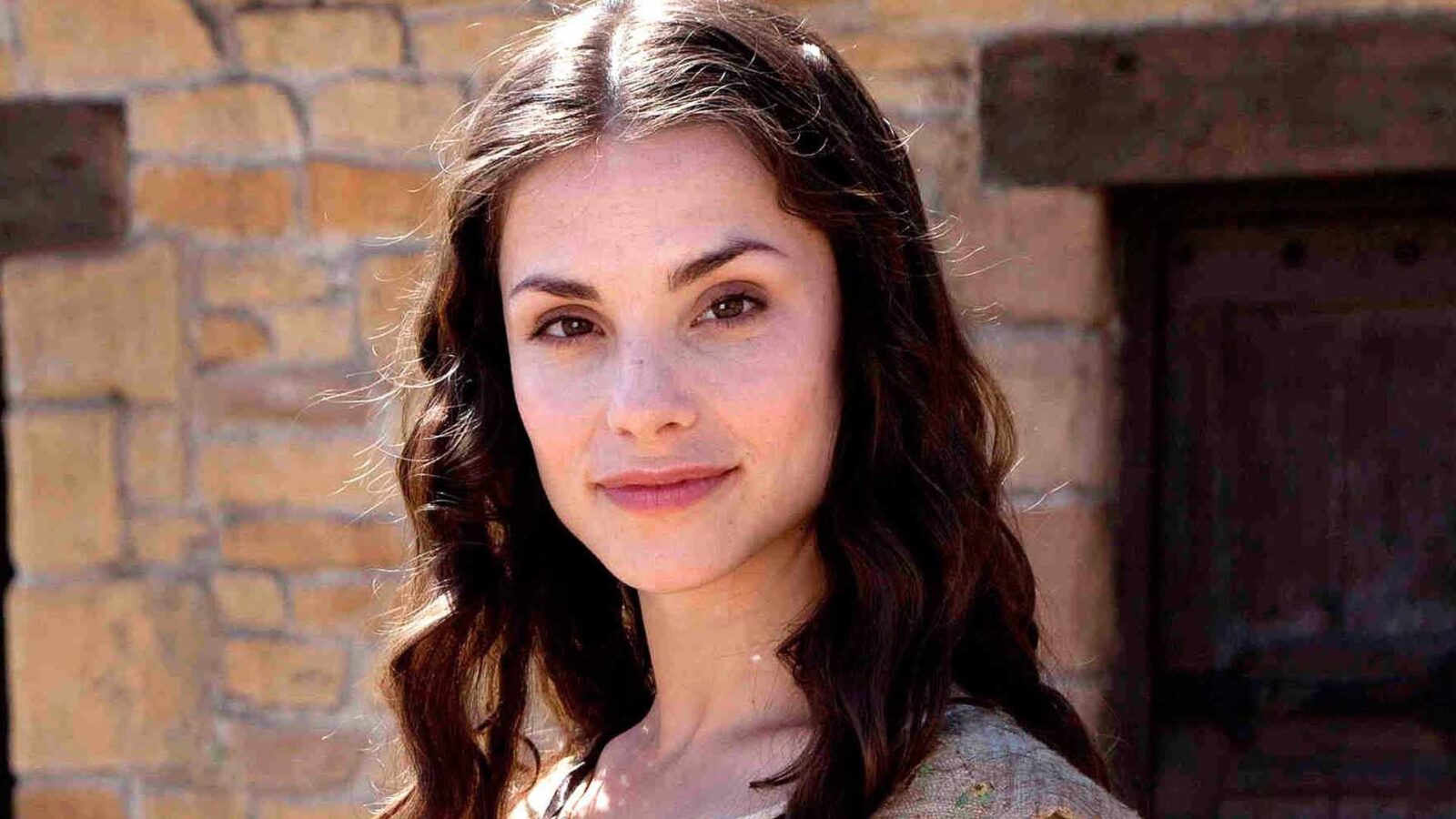 Free Cute Images Wallpapers 13 Charlotte Riley Hd Wallpapers Free Download