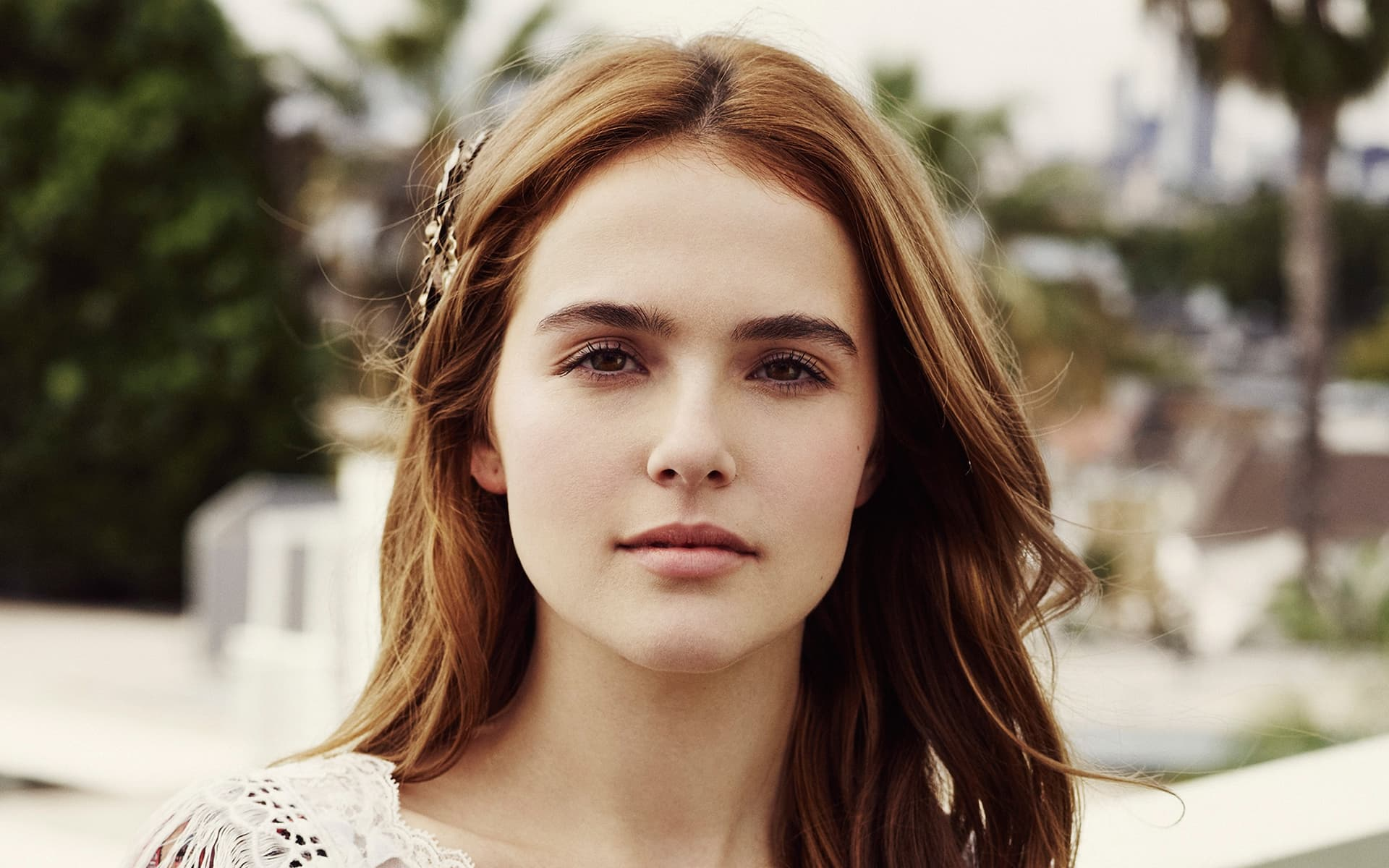 Download The Car Wallpaper 14 Zoey Deutch Wallpapers High Quality Resolution Download