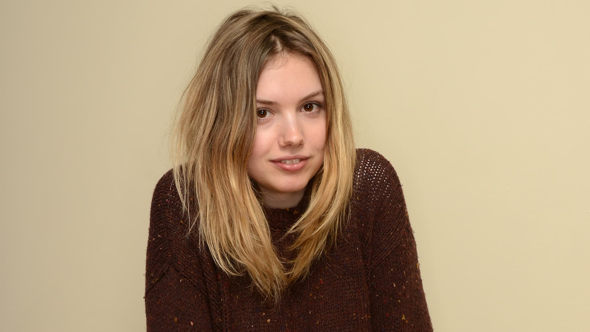 Download The Car Wallpaper Hannah Murray Wallpapers Hd High Quality Resolution Download
