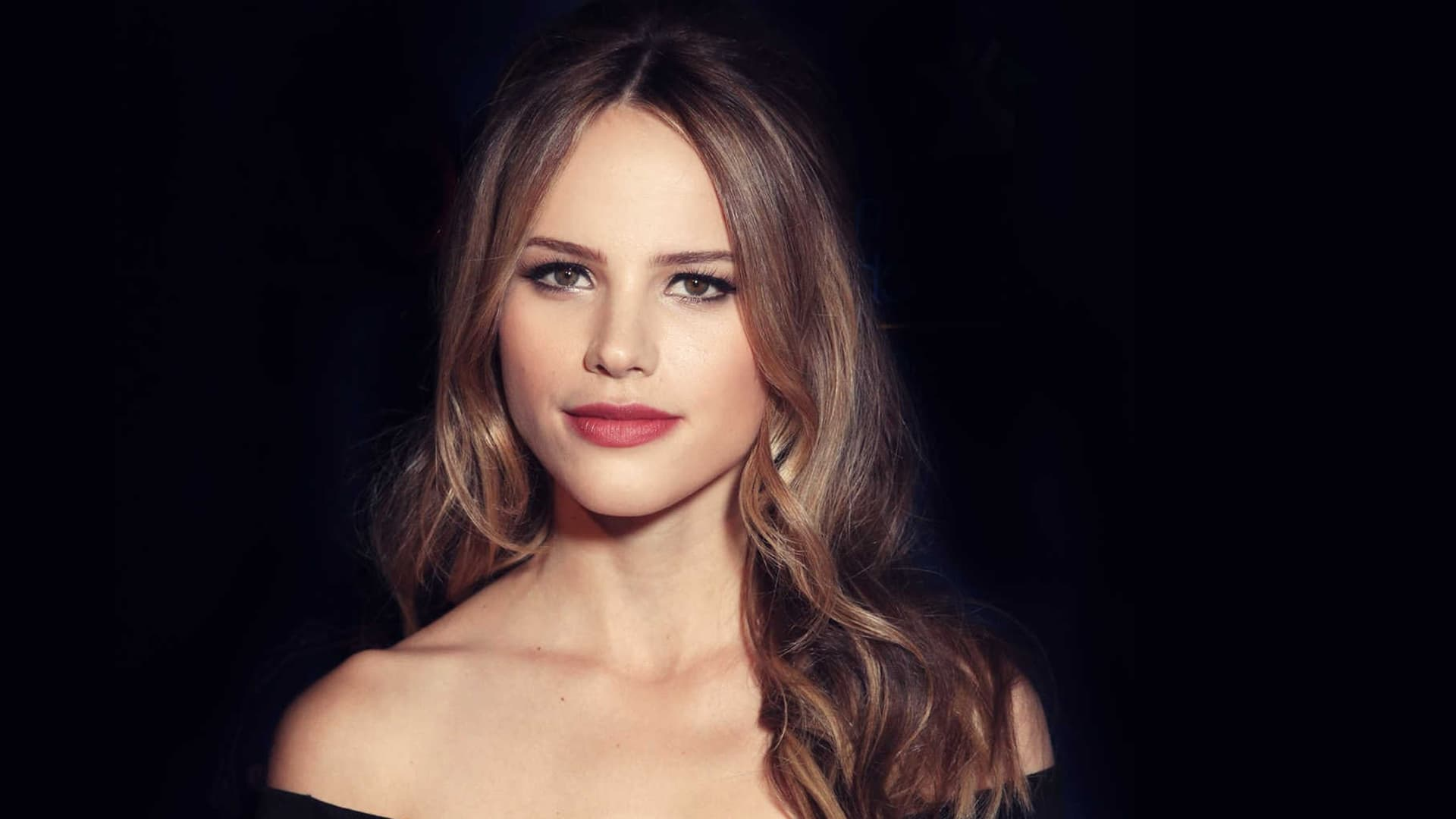 Halston Sage Wallpapers Hd High Quality Resolution Download