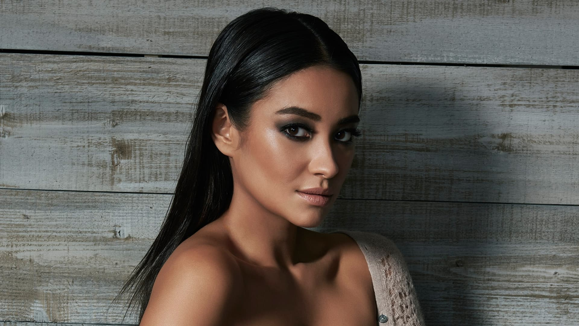 Cute Poppy 1080p Wallpaper Shay Mitchell Wallpapers Hd High Quality Download