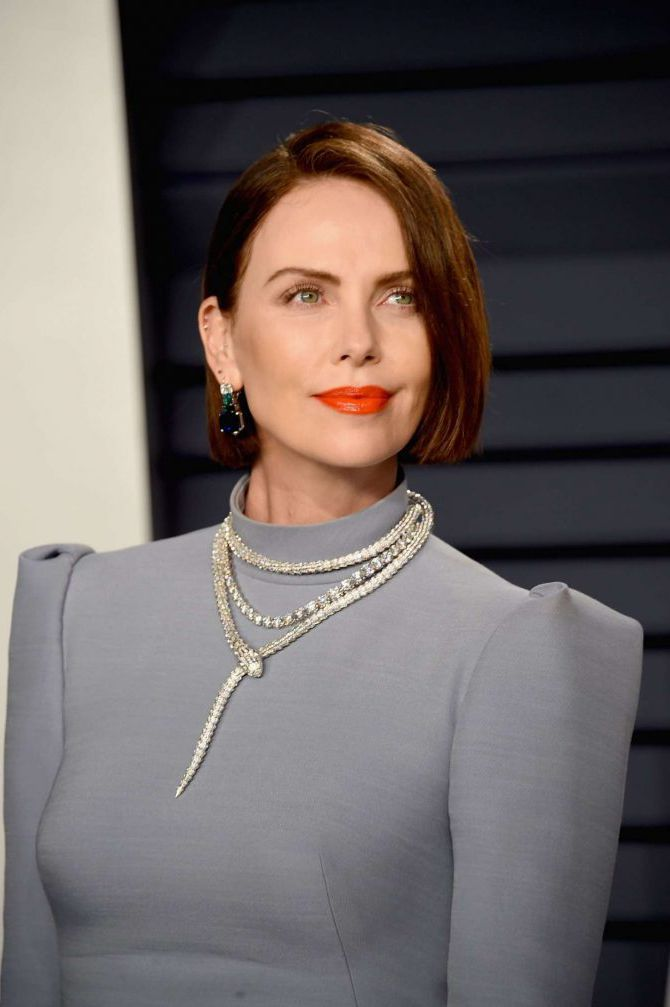 Nature Animals Wallpaper Charlize Theron With Red Lips At Vanity Fair Oscar Party