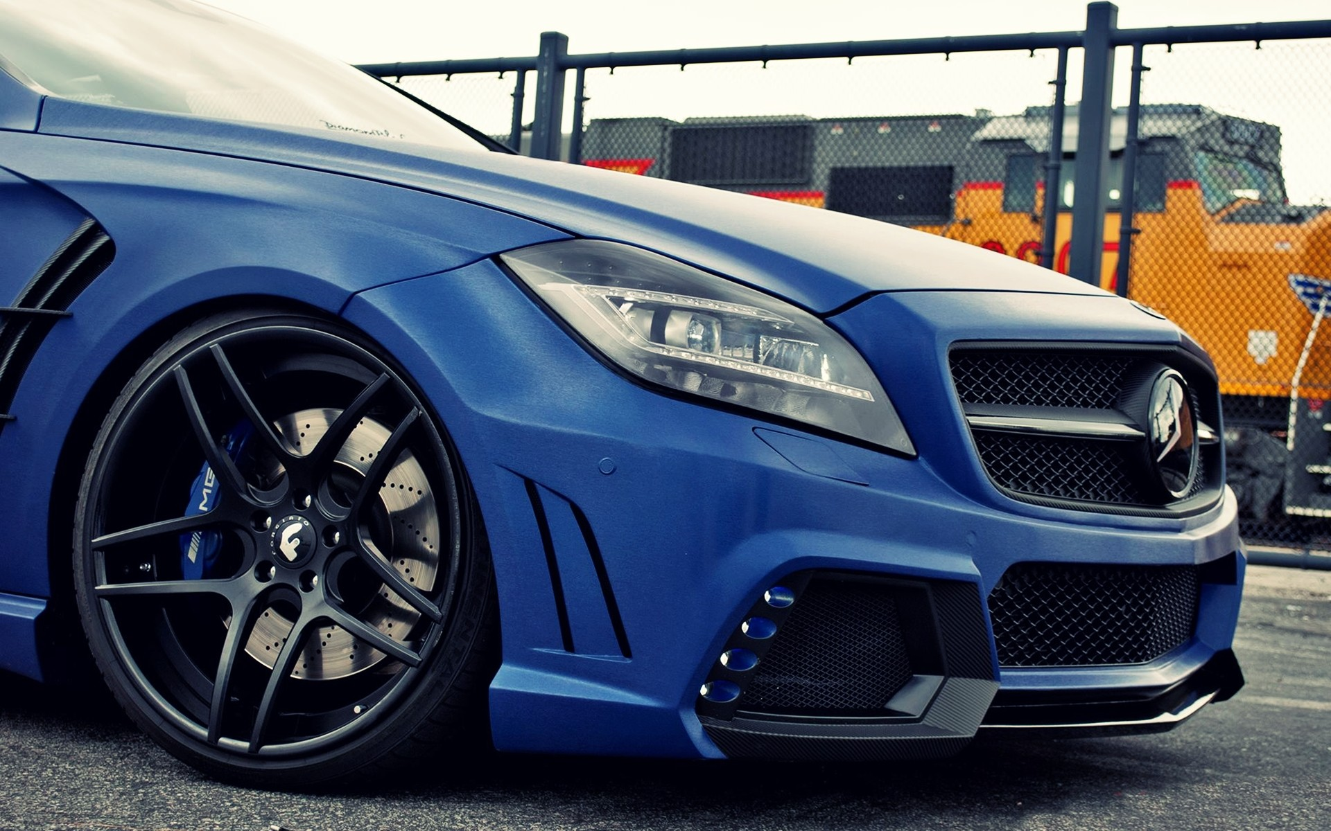 C63 Amg Coupe Iphone X Wallpaper Blue Mercedes Benz Cls 63 Amg Section Wallpapers Blue