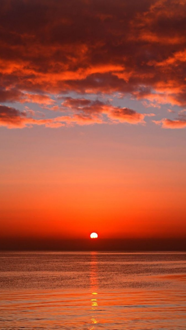 Iphone Wallpaper Hd Red 640x1136 Red Sunset Ocean Amp Red Clouds Iphone 5 Wallpaper