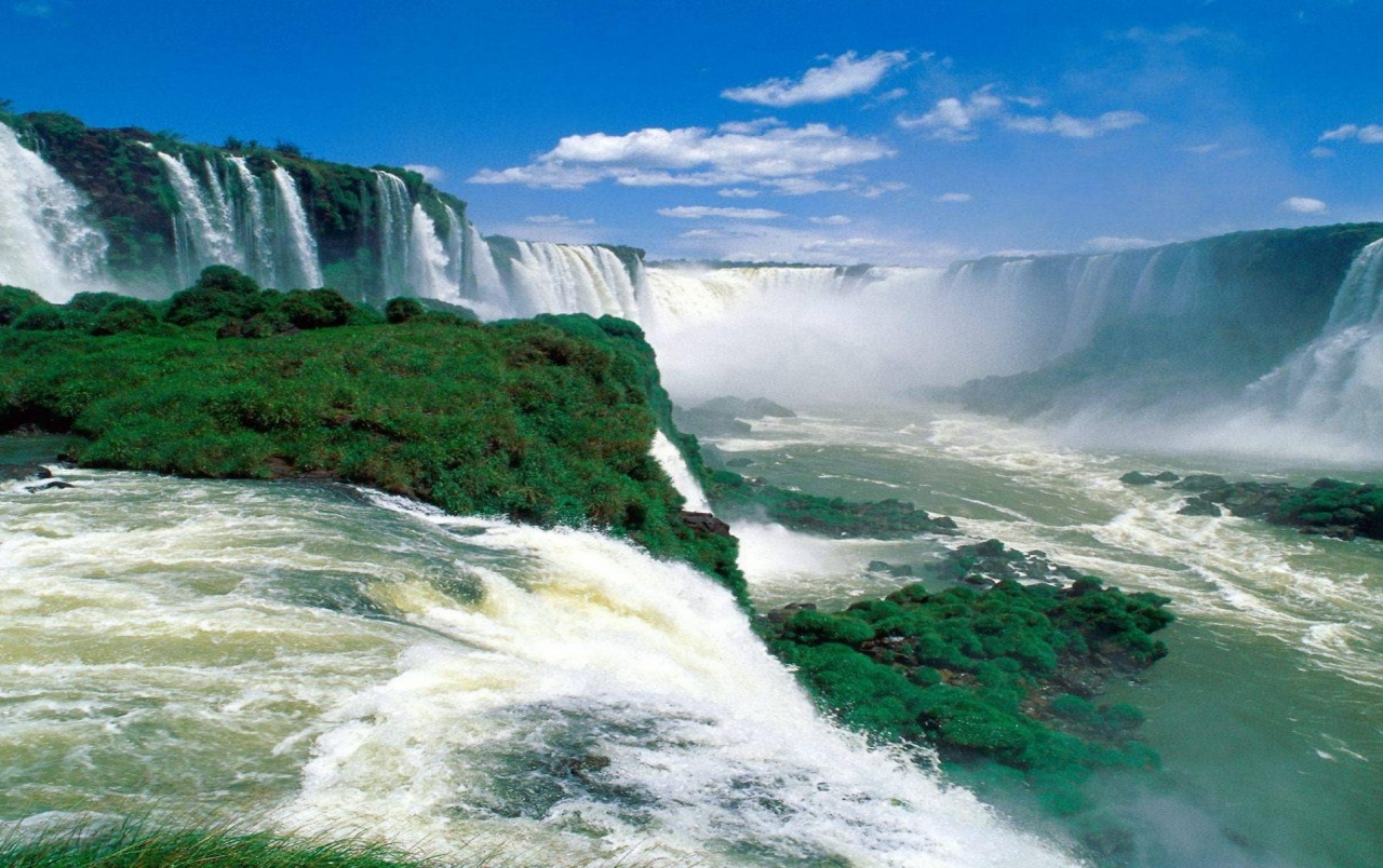 Iguazu Falls Hd Wallpaper Iguazu Falls Wallpapers Iguazu Falls Stock Photos