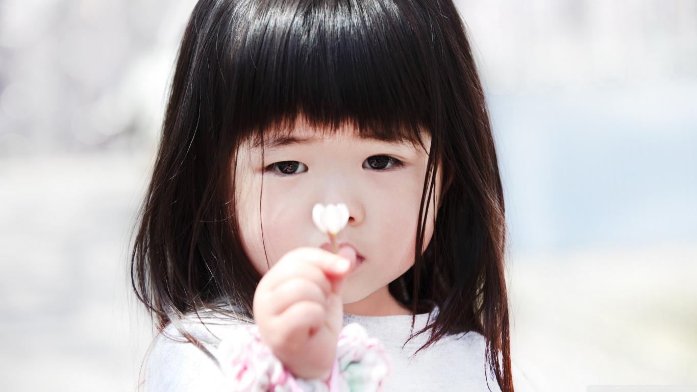 Sad Alone Girl Hd Wallpaper Download Child Girl 4k Hd Desktop Wallpaper For 4k Ultra Hd Tv