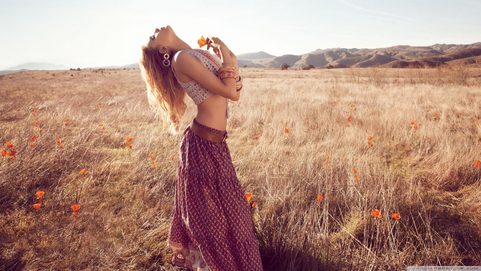 Fall Bohemian Fashion Wallpaper Hippie Girl Outdoor 4k Hd Desktop Wallpaper For 4k Ultra