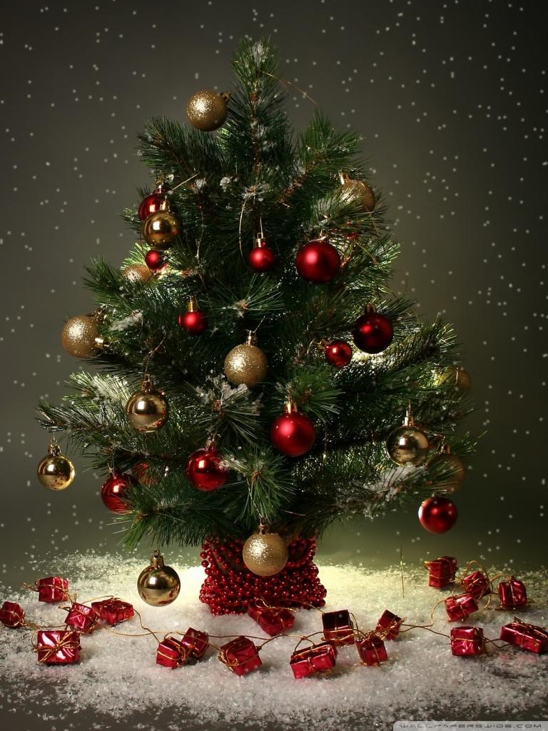 small christmas tree 4k