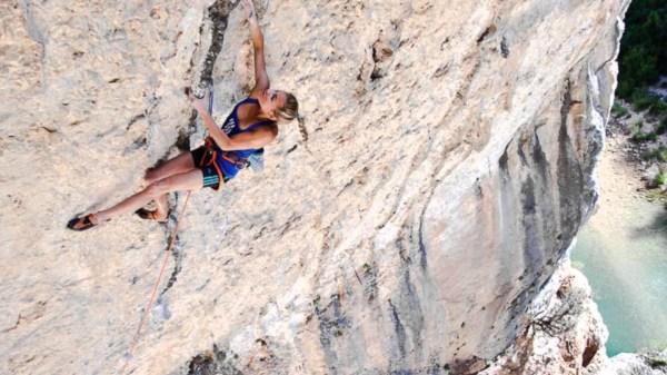 Women Rock Climbing Desktop Wallpaper