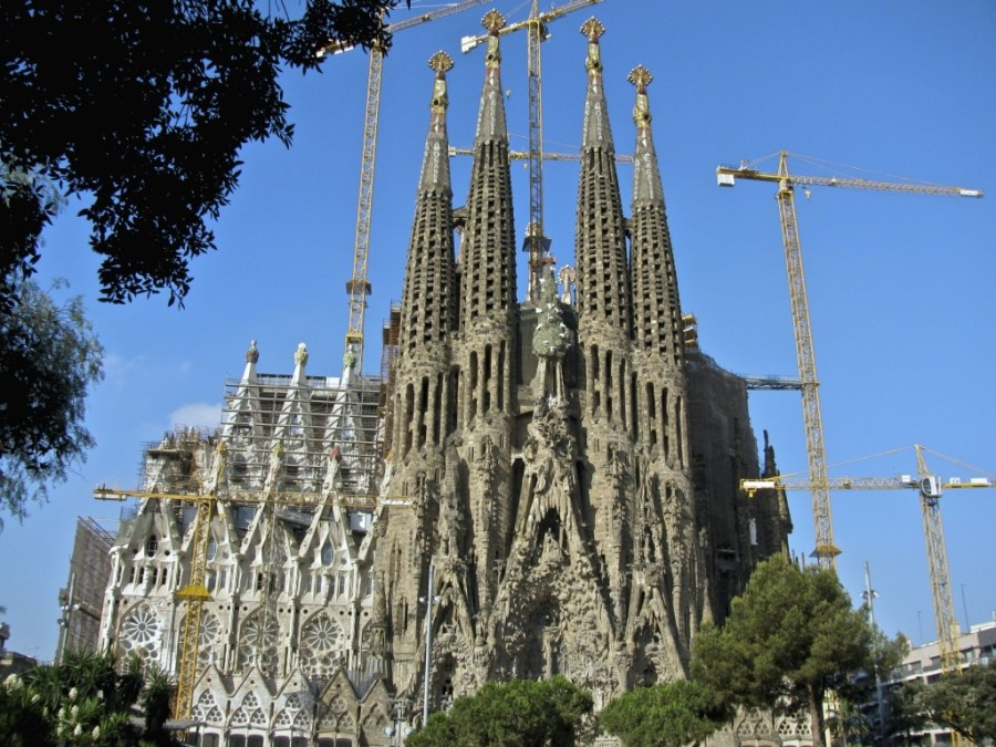 Barcelona City Free Download iPad HD Wallpaper Widescreen