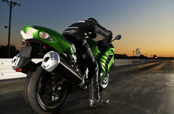 Kawasaki ZX14R Test Drive HD Wallpaper Photo For PC Computer