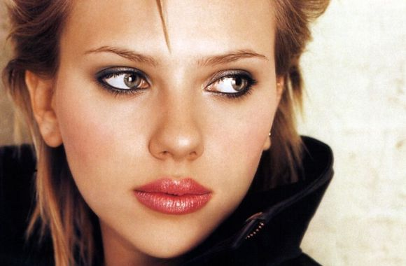 Scarlett Johansson Short Hair And Black Jacket Picture HD Wallpaper
