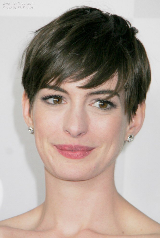 New Anne Hathaway S Short Pixie Cut Style With The Hair Swept Ideas With Pictures