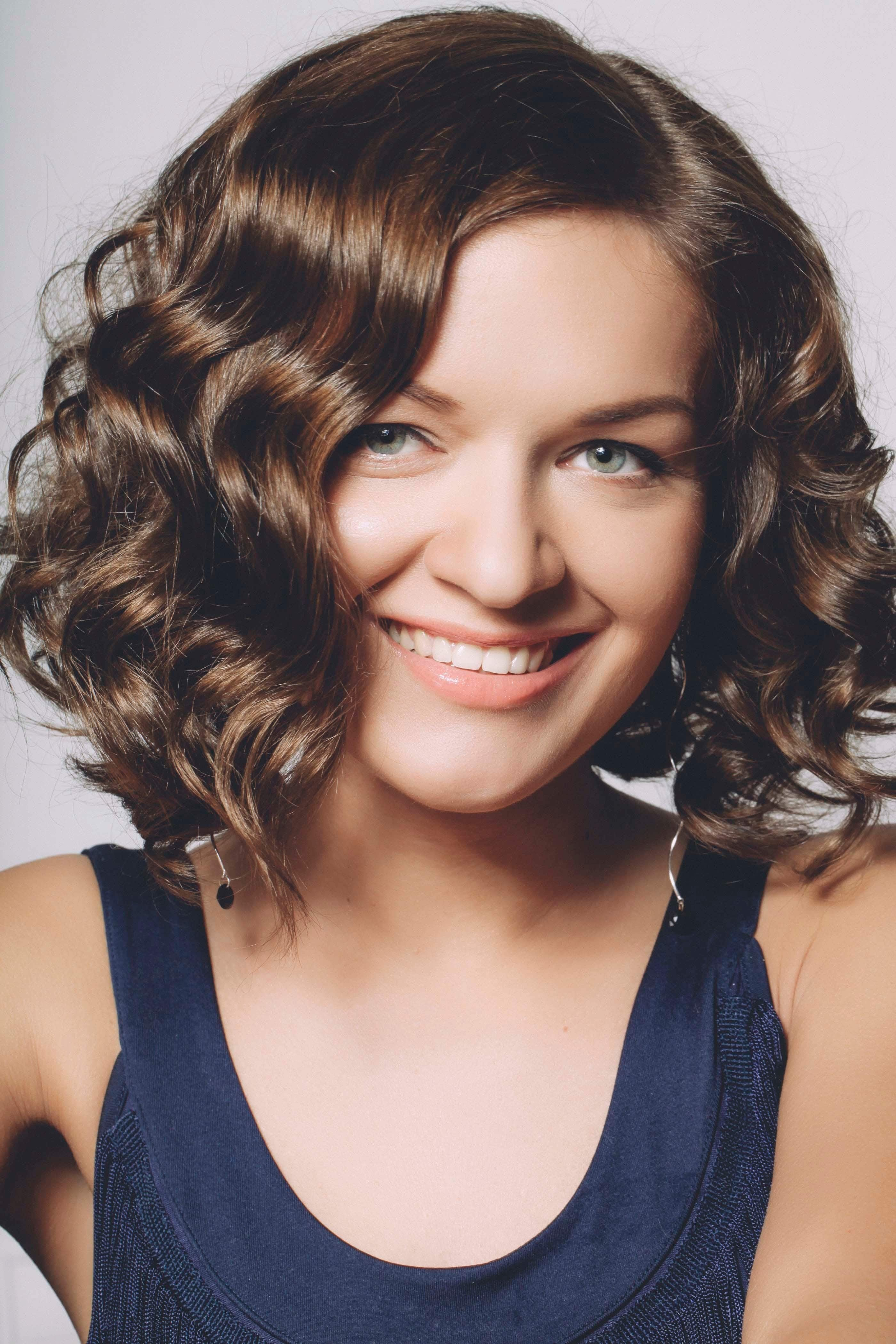 New Haircuts For Thick Wavy Hair 14 Head Turning Hairstyles Ideas With Pictures