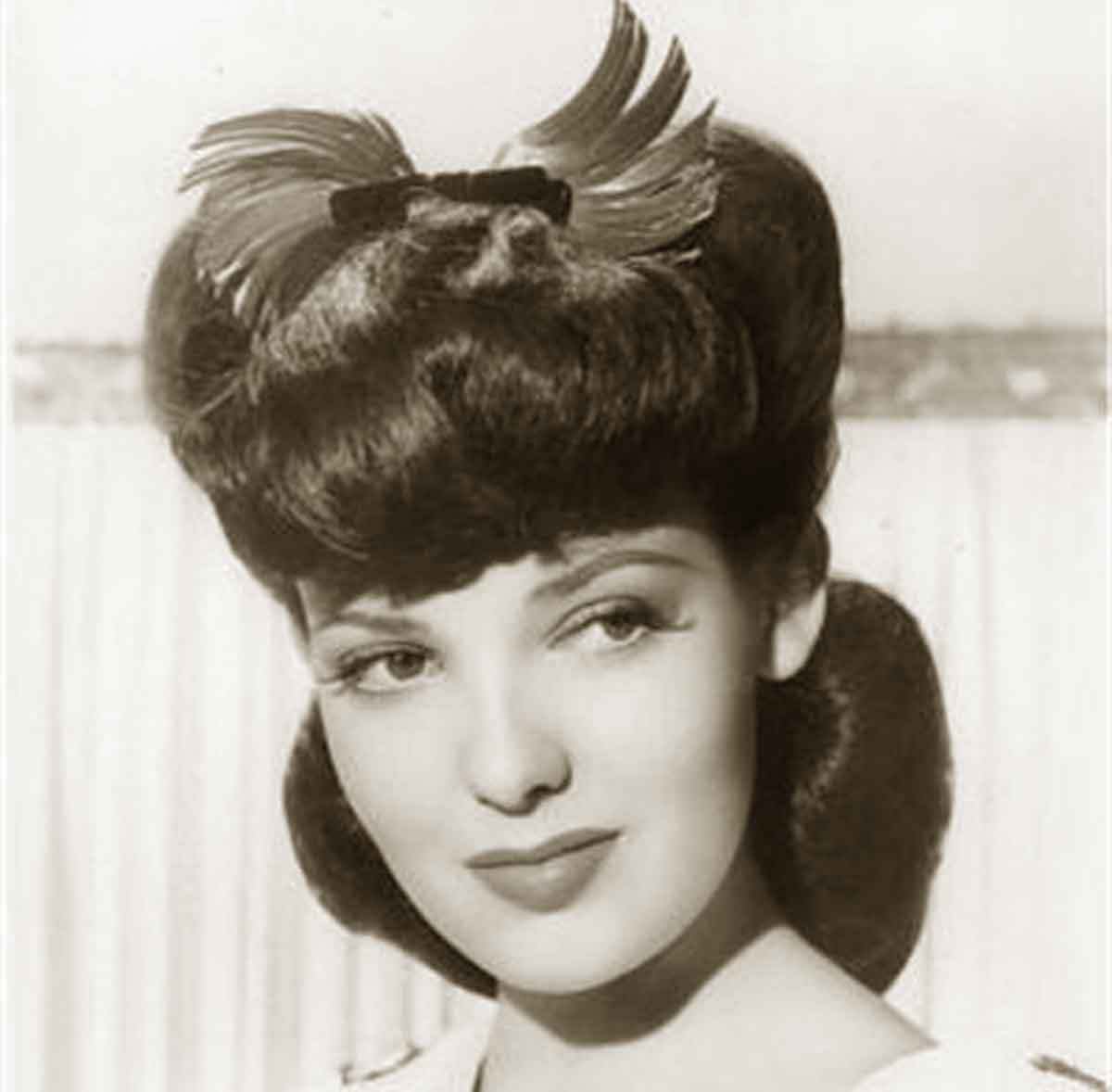 New 1940S Hairstyles Memorable Pompadours Glamour Daze Ideas With Pictures