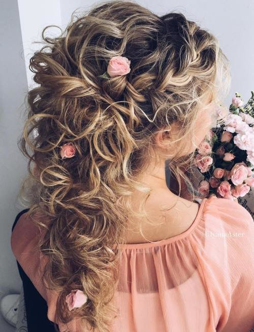 New 20 Soft And Sweet Wedding Hairstyles For Curly Hair 2019 Ideas With Pictures