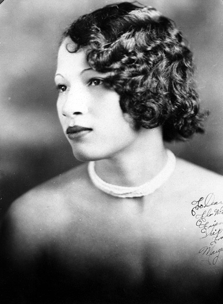 New Fabulous Vintage Pictures Of Women's Hairstyles And Make Ideas With Pictures