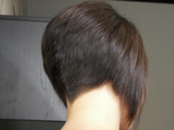 New Nape Like The V Shape Not Too Short Not Too Long Clippercut Bob Flickr Ideas With Pictures