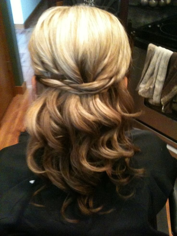 New Half Up Twisted Hairstyle Loose Curls Nailing It Ideas With Pictures