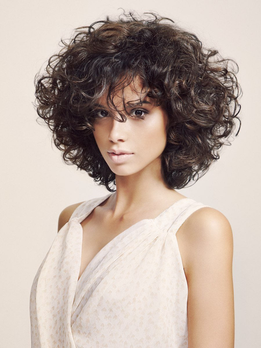 New Slimming Effect Hairstyle With Curls That Were Shaped With Ideas With Pictures