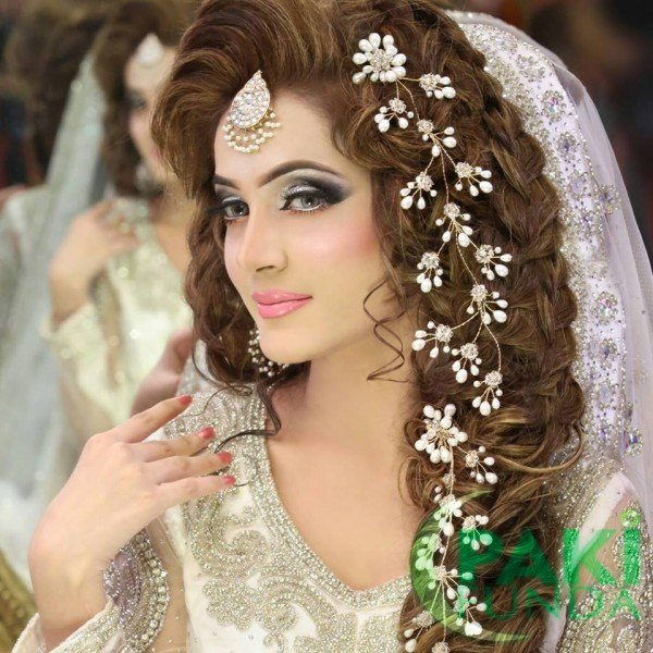 New Best Pakistani Bridal Hairstyles Bridal Wedding Ideas With Pictures