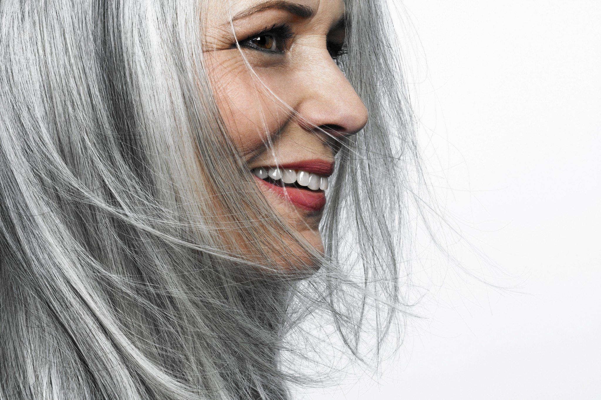 New Ditching Dye How To Go Gray Gracefully Chicago Tribune Ideas With Pictures
