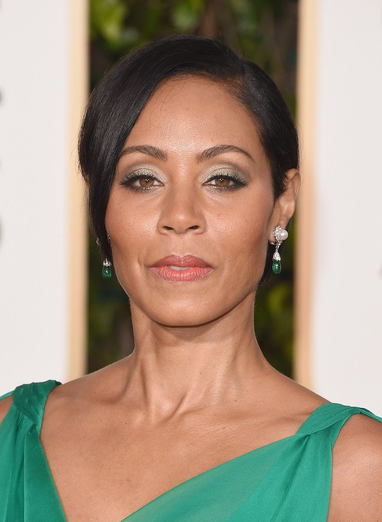 New Jada Pinkett Smith Side Parted Straight Cut Short Hairstyles Lookbook Stylebistro Ideas With Pictures