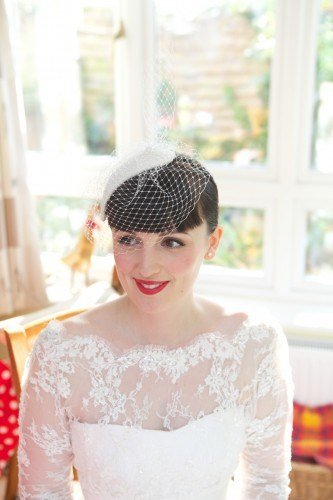 New Lipstick And Curls 1950'S Bridal Hair And Make Up Styling Ideas With Pictures