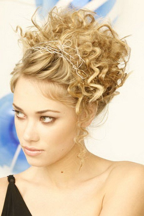 New Curly Pin Up Hairstyles Ideas With Pictures