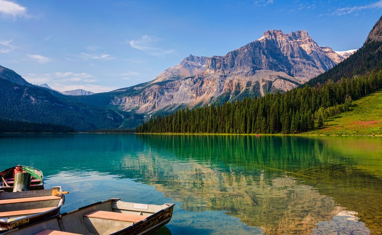 Falling Water Wallpaper Free Download Lake Emerald Summer Mountain Forest Water Boat